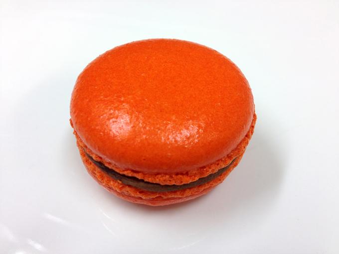 Apelsin. En klassisk kombination! Mörk chokladtryffel smaksatt med rivet apelsinskal.